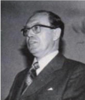 Åke Norén, förbundsrektor i Med- borgarskolan 1967 - 1987, var den som utredde frågan om inrättande av en seniororganisation. Han före- slog också förbundets namn, Aktiva Seniorer.