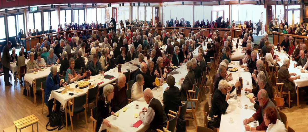För många föreningar visade det sig ganska snart att intresset för Aktiva Seniorer var så stort att det uppkom påtagliga svårigheter att lösa lokalfrågorna. Ett problem som är minst lika besvärande än idag och som kräver stort engagemang från våra styrelser.